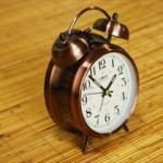 二度寝しない方法と正しい目覚まし時計の使い方【お寝坊さん必見!】