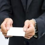 名刺の出し方と受け取り方のポイントと海外での注意点