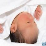赤ちゃんの耳掃除はいつから行うべき?耳鼻科に行った方がいいの?