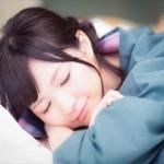 寝過ぎて頭痛になる原因と解消方法